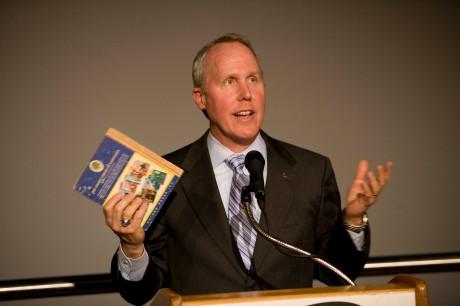Tom Jones speaks at the Maryland Science Center, June 2009 (APL)